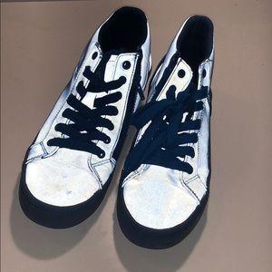 Zara boys light reflective shoes